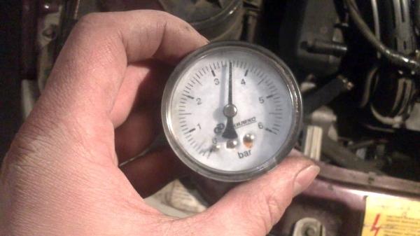 Замер давления в топлевной рампе ВАЗ 2114
