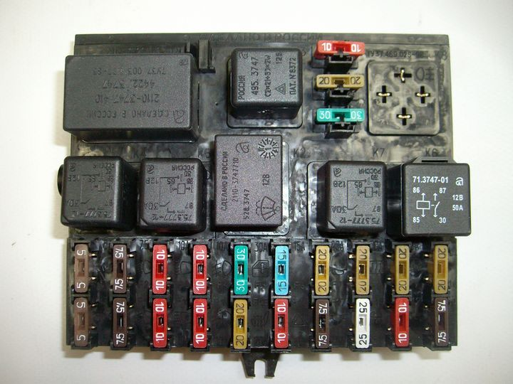 Схема блока предохранителей ваз 2110 инжектор фото 658