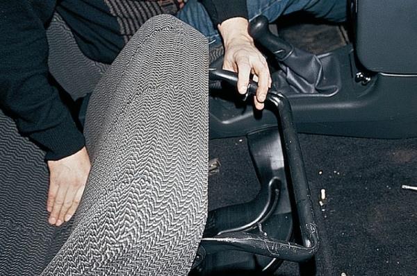 Установка сидений от иномарки на ваз