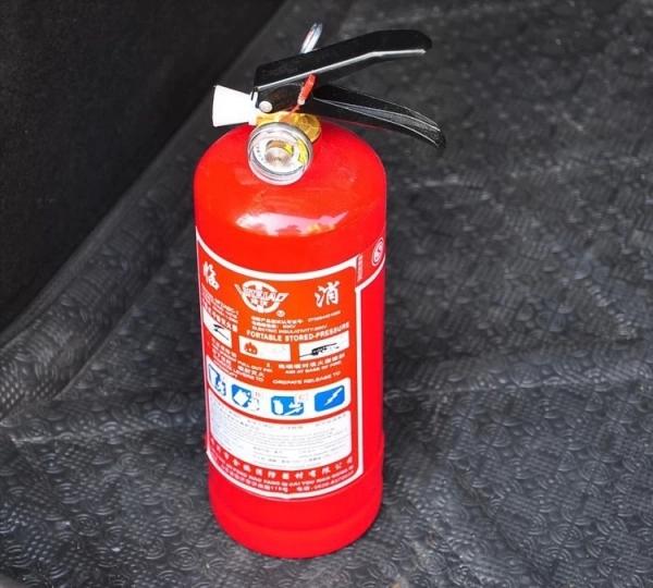 Огнетушитель – обязательно под рукой
